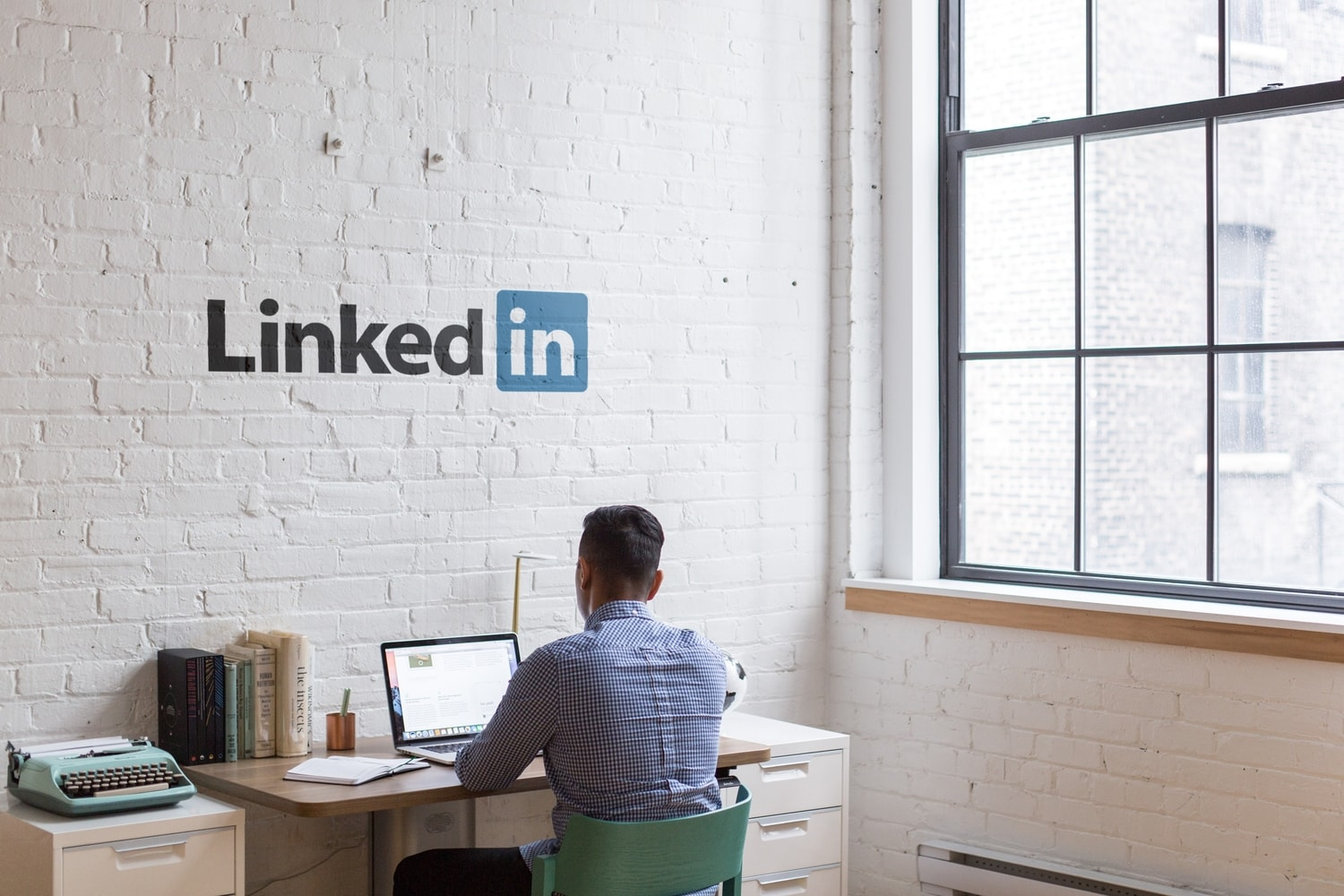 how to utilise LinkedIn for your job search